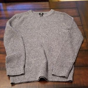 H & M GRAY LONG SLEEVED SWEATER, SIZE XS
